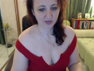 Voir le liveshow de  LadyJulya de Xlovecam - 48 ans - Sexy and misterious lady.