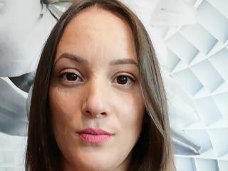 Voir le liveshow de  QueenKaly de Xlovecam - 31 ans -