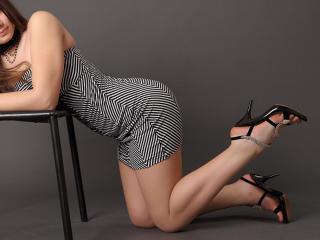 SuckingDeep sexy cam girl
