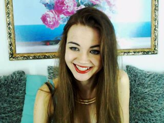 Voir le liveshow de  AllidaW de Xlovecam - 20 ans - I am a cute college girl that loves to laugh and talk. I know I am sexy, but I really like men tha ...