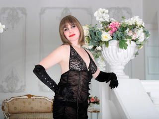 Voir le liveshow de  MatureXLady de Xlovecam - 56 ans - I'm hot and passionate madam !!! And i always ready to give you pleasure.....