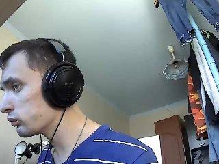 Voir le liveshow de  BigDickNiko de Xlovecam - 34 ans -