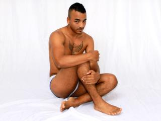 Voir le liveshow de  DexterPlay de Xlovecam - 20 ans - Hello there! If You see me on-line that means I'm as horny as hell - since I come on-line only  ...