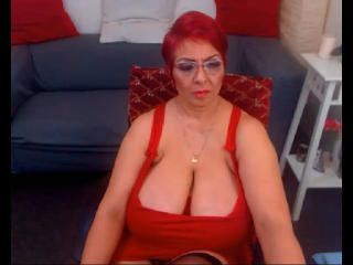 Voir le liveshow de  YourNaughtyHotWife de Xlovecam - 51 ans - What makes me special? Well, first of all, I am an intelligent lady who can entertain h ...
