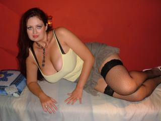 Voir le liveshow de  SexySissi de Xlovecam - 36 ans - I'll make you horny with my extra big natural boobs and i show you how  i play with myself. I ha ...