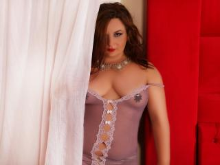 Voir le liveshow de  GoldFingers de Xlovecam - 33 ans - I am the next door girl with a wicked mind looking for pleasure and fun-time. I love fetish-ga ...