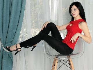 Voir le liveshow de  SophieReds de Xlovecam - 20 ans - Naughty little girl, I'm into rough sex and nasty games. I am open to new things and willing to ...