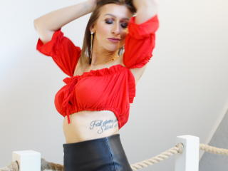 Voir le liveshow de  BBAudrey de Xlovecam - 36 ans - I want to go with you to the search for your deepest desires and desires, even if these are so se ...