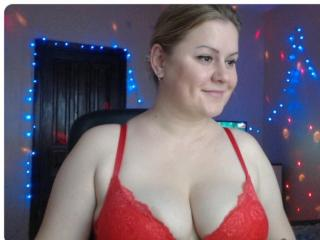 Enjoy your live sex chat EyesCrystall69 from Xlovecam - 33 years old -