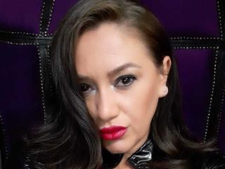 Voir le liveshow de  QueenIsis de Xlovecam - 27 ans - My principle as Dom me is to live up to my name and my standards, most importantly it is your du ...