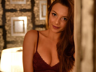 Voir le liveshow de  NoraPerez de Xlovecam - 19 ans - I am a sexy and funny girl and I really want to spend my time with you, to discover your deepest ...