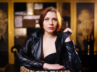 Voir le liveshow de  AlbaRose de Xlovecam - 25 ans - Romantic girl who loves candle light, glamorous atmosphere and sensual sex. She will make you fee ...