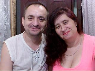 Voir le liveshow de  PassionStars de Xlovecam - 35 ans - We are a bisexual couple who love to have fun in front of the webcam. Are you ready to try us ...