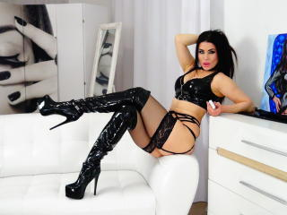 Voir le liveshow de  SherlisMoon de Xlovecam - 33 ans - I am a sexual goddess and lucky for you, i want you to have the best time possible Tell me wha ...