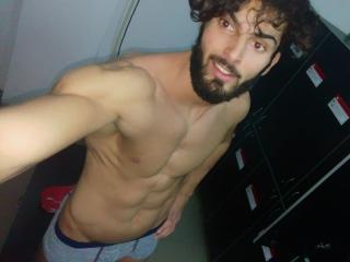 Voir le liveshow de  SexxyMan de Xlovecam - 28 ans - A sportiv boy... sweet and kind.