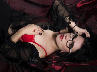 Voir le liveshow de  AdellynDream de Xlovecam - 20 ans - Hello, my name is Adelyn I`m the Queen of a sensuality and dance. Student, model and fitness  ...