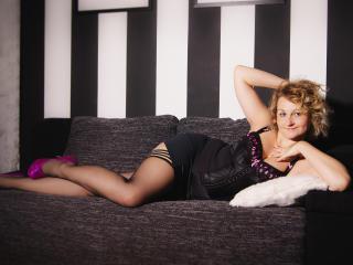 MiriamTRUE sexy cam girl