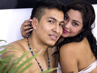 Voir le liveshow de  LaurenAndMartin de Xlovecam - 25 ans - I would love to make me oral sex several men at the same time in a public place