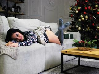 Voir le liveshow de  HotLexisX de Xlovecam - 20 ans - Hello my dear)) I Lexis) I'm 20 years old, invite you to their privates out of it will be fun an ...